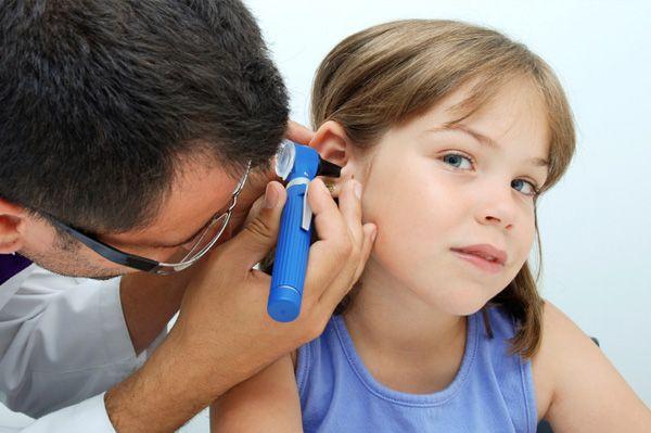 Copilul si-a blocat un obiect in nas sau ureche, ce faci?