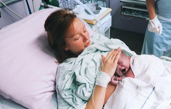 De ce unii bebelusi se nasc cu o greutate mica