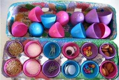 5 idei de activitati cu ouale din plastic