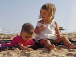 Relatiile sociale ale bebelusului