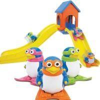 Pinguinii pe schiuri