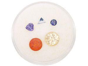 Expozitia de bijuterii din cristale de Ziua Femeii